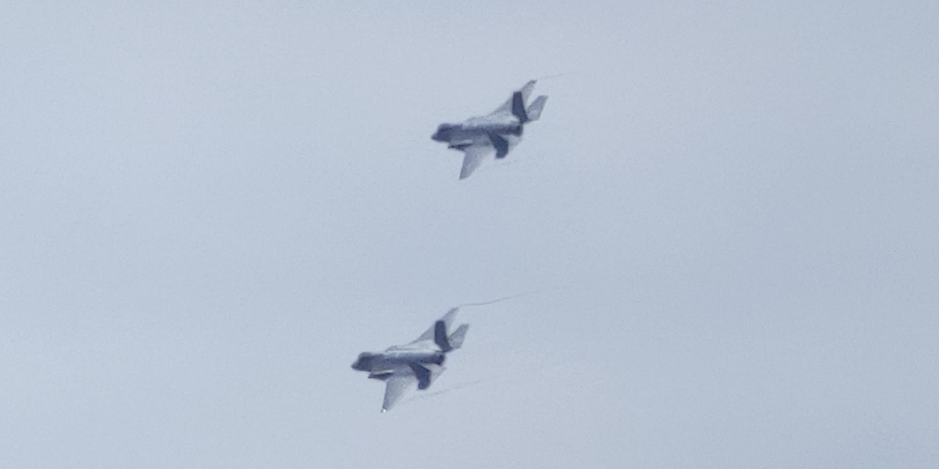 Click image for larger version  Name:Jet Flyover2.jpg Views:33 Size:64.3 KB ID:141661