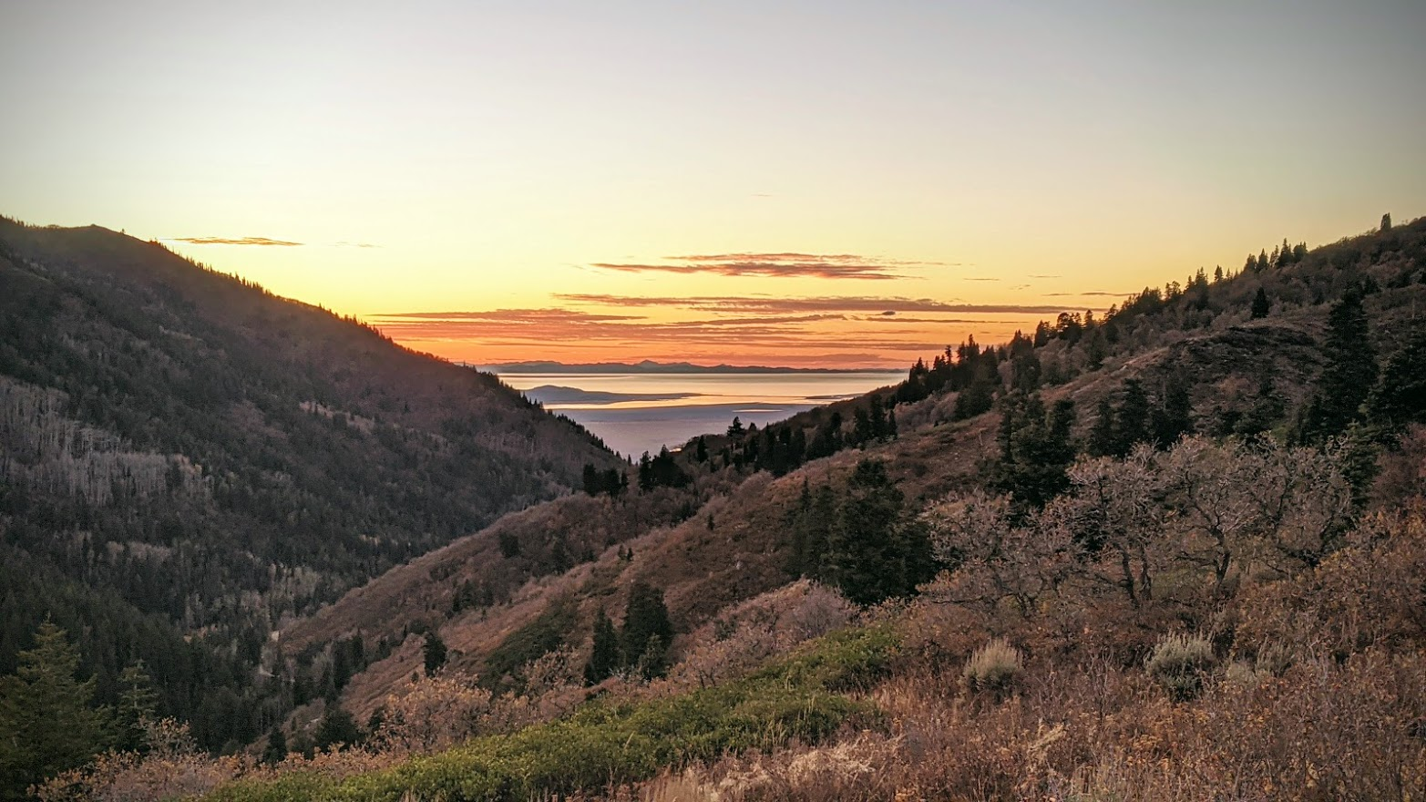 Click image for larger version  Name:Sunset over the lake.jpg Views:24 Size:336.0 KB ID:145023
